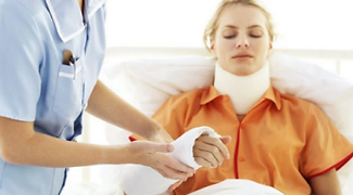 personal_injury_women_injured_arm.png