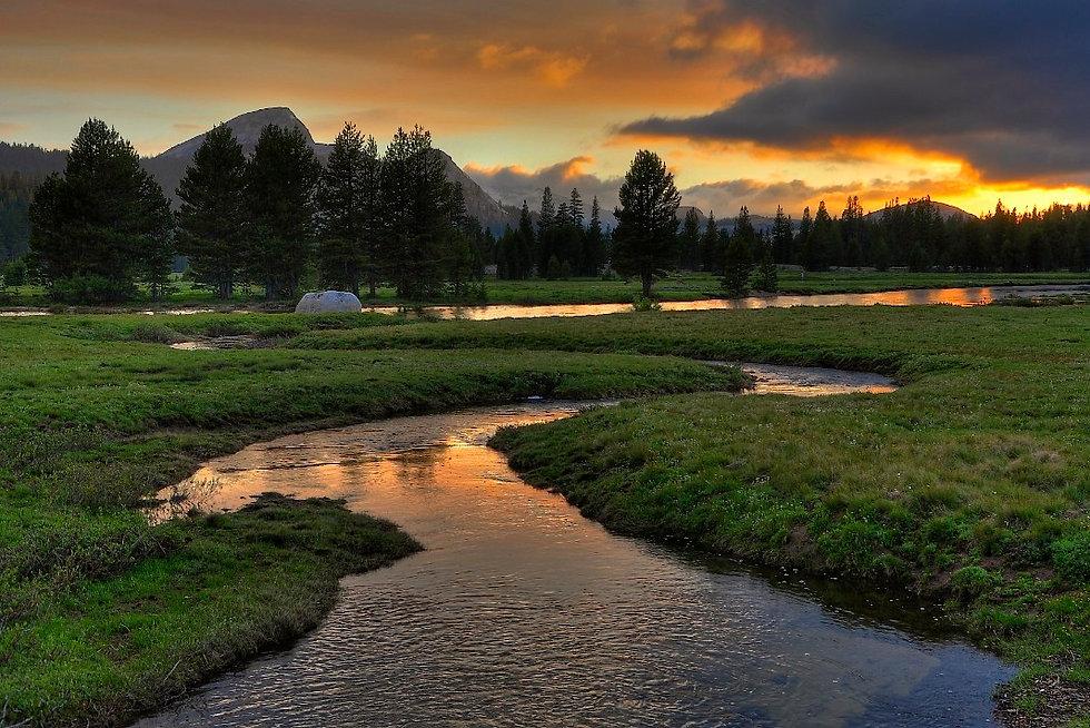Tuolumne_Meadows_Sunset.jpg