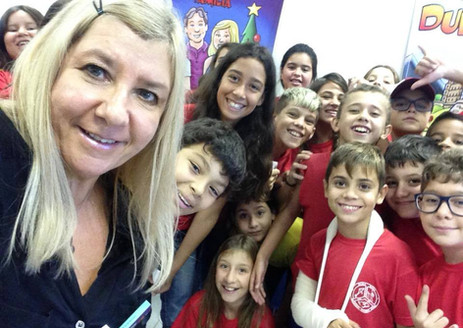 Selfie com alunos das turmas 51 e 52 da Escola Brigadeiro Eduardo Gomes no Campeche em Florianópolis/SC