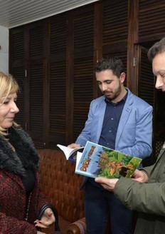 Apresentando Duda de Yorkshore para o Prefeito de Porto Alegre, Nelson Marchezan Junior
