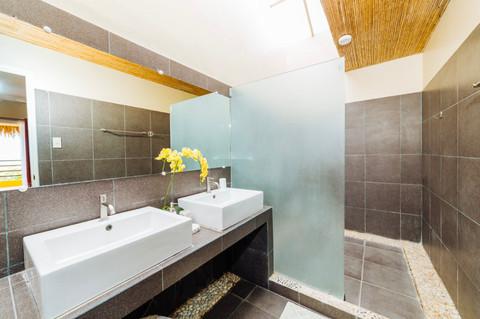 Sea View Deluxe Cabana Bathroom 2.jpg
