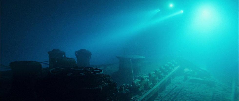 Lukowski_Titanic_ForecastleDeck2_Wreck.j