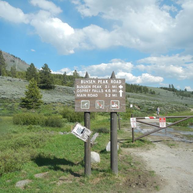 Bunsen Peak Road Trailhead.JPG