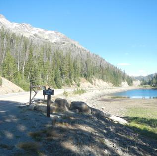 Eladanor Lake Picnic Area Yellowstone.JP