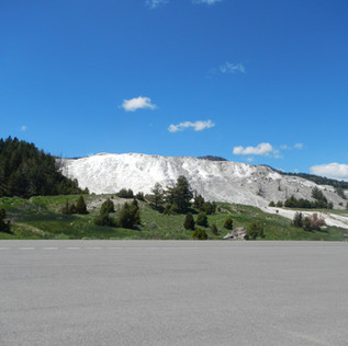 Mammoth Hot Springs Yellowstone.JPG