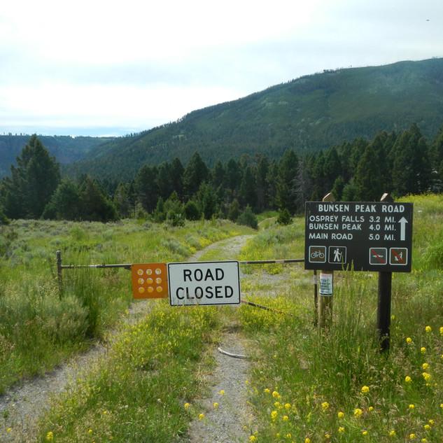 Bunsen Peak Road Trailhead YNP.JPG