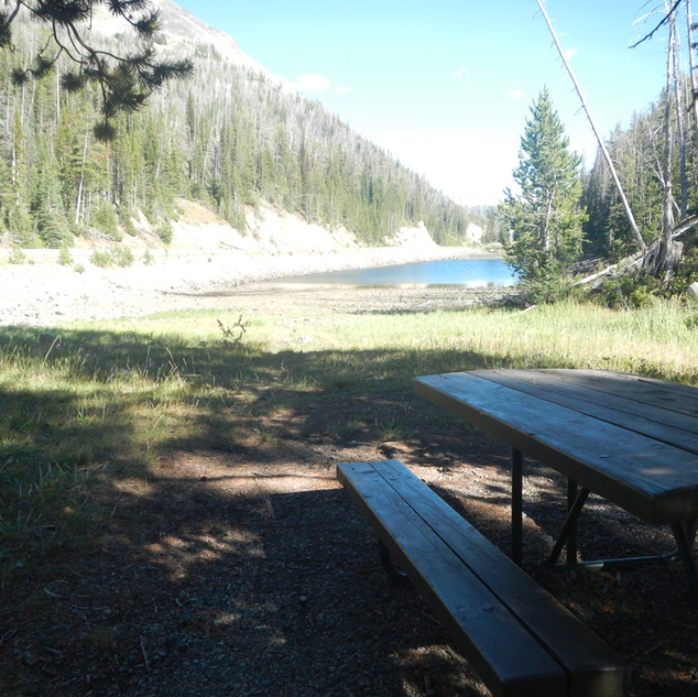 Eladanor Lake Picnic Area.JPG