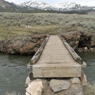 Lamar River Trailhead Bridge.JPG