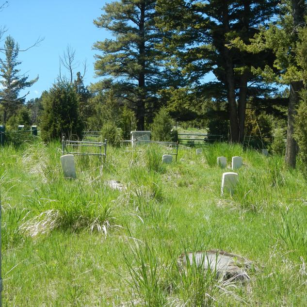 Mammoth Hot Springs - Millitary Grave Ya