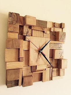 zidni-sat-od-komadića-drveta.jpg