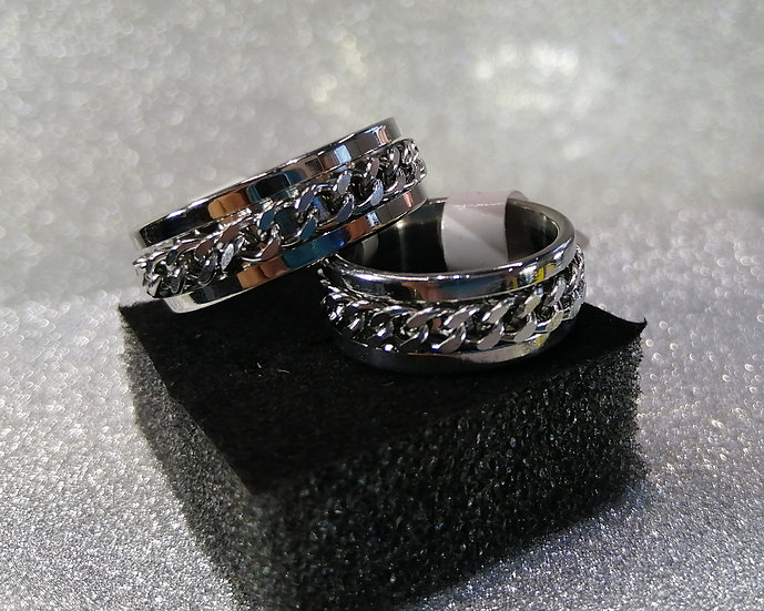 8mm Curb Chain Spinner Band Ring