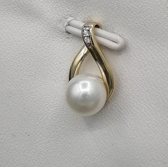 9ct Gold CZ & Pearl Teardrop Pendant