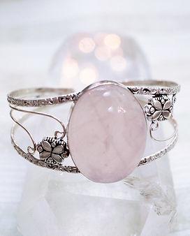 jewelry-665335.jpg