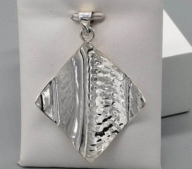 925 Silver Polished and Hammered Diamond Pendant