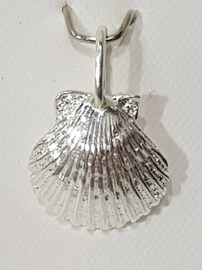 925 Sterling Silver Scallop Shell Charm
