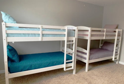 Bunk Beds Sleep 4
