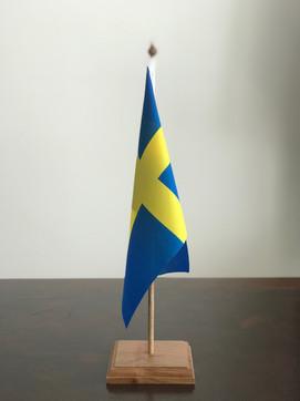 DESK FLAGS WITH HAND-FINISHED AFRICAN TEAK WOOD SINGLE BASE & POLE SET