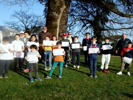 Golf d'Albi Lasbordes: les jeunes de l'Ecole De Golf âgés de 8 à 14 ans passent leur drapeau FFGolf.