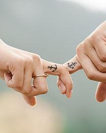 hands-437968_640.jpg