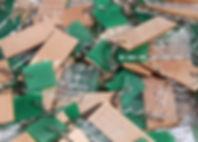 La découpe et gravure laser sur plexiglass produit un effet très fin et détaillé, particulièrement adapté au goodies, trophés, maquettes d'architecture, aux logos, aux décorations et signalisation murales. Nous découpons exclusivement du PMMA  Pas de polyester ou PVC.  Large choix de couleurs sur nuancier, et de tous types : transparent, translucide, opaque, mat et brillant, spécial LED.  Gamme Trolase, Trodat et Perspex  Epaisseur 3mm et 5mm  Gravure et découpe.