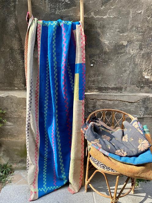 Kantha indien vintage quilté du Rajasthan - Bleu et blanc