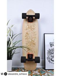 Skateboard personnalisé gravé avec amour ! Design Alexandre Schiavo. Découpe laser Bordeaux