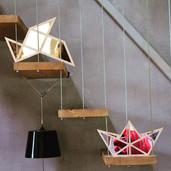 Nos miroirs origami et bateau pendant le shooting photo de la marque de bijoux _kdyak.jpg
