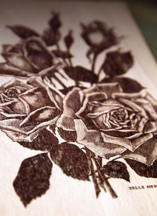 Gravure laser à partir d'une gravure ancienne de Rose pour un carnet personnalisé. Découpe laser Bordeaux