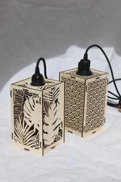 Lampe ajourée balladeuse en bois - Le Puits d'Amour - découpe laser bois