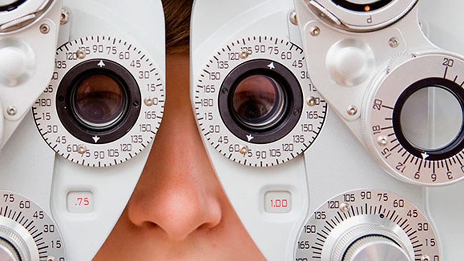 Oftalmólogo   Ophthalmologist