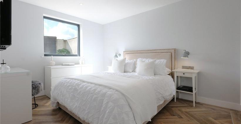 ol  y Maer Apartments. Bude. Cornwall. Master Bedroom.