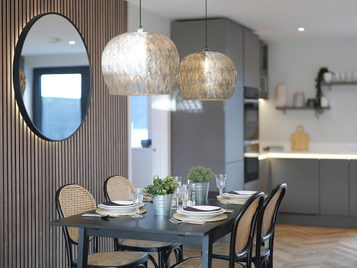 ol  y Maer Apartments. Bude. Cornwall. Dining Table