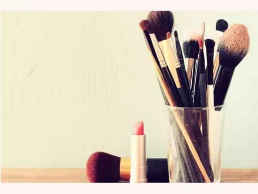 How to do makeup during monsoon? 9 monsoon makeup tips