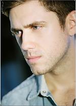 Aaron Tveit.png
