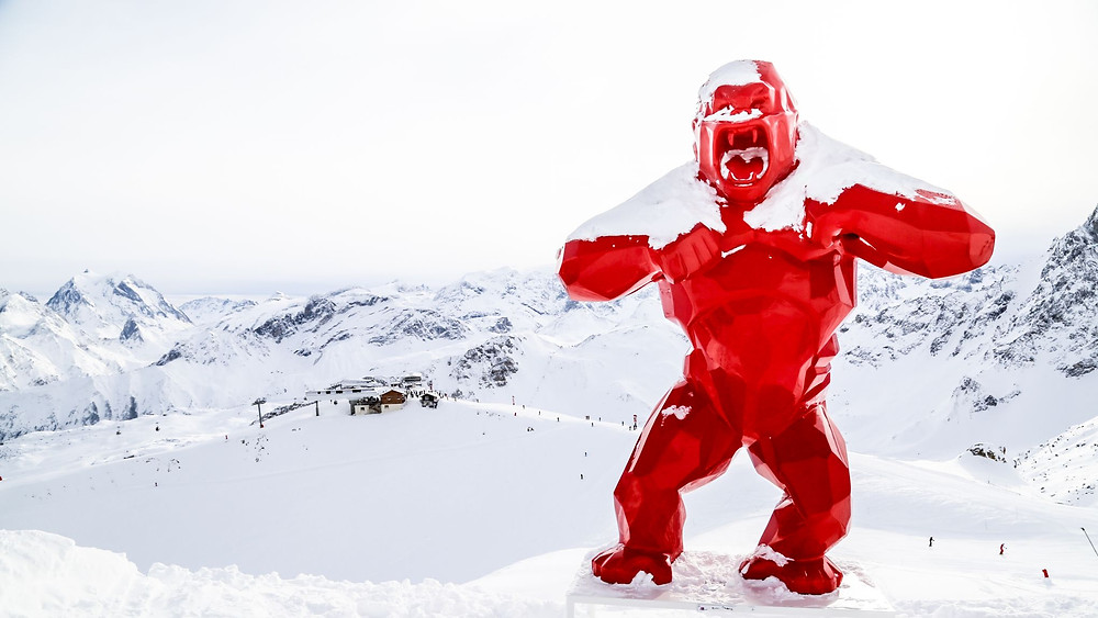 Richard Orlinski's King Kong Courchevel