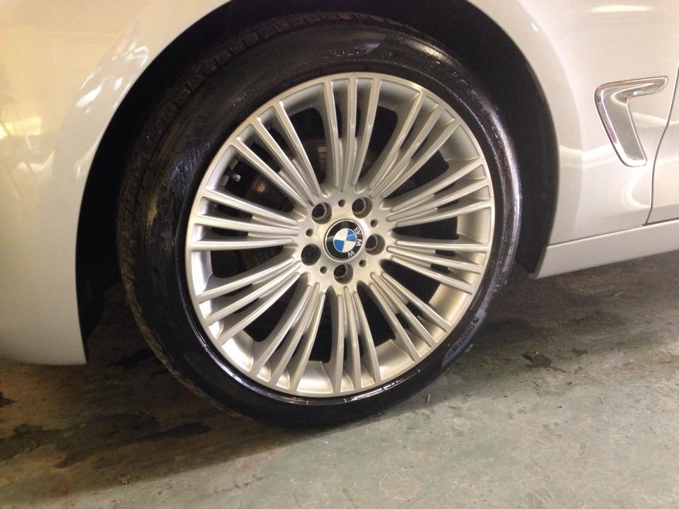 Detailed alloy wheel cleaning