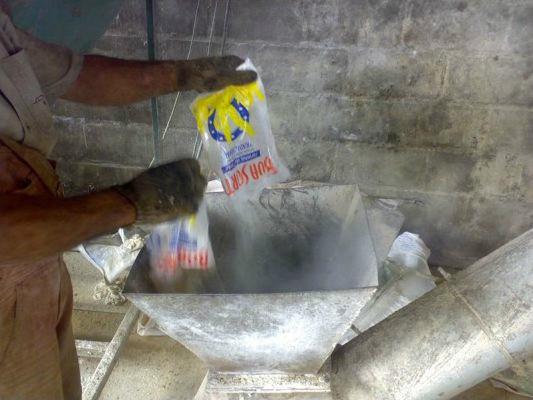 Equipamento para a descaracterização de resíduos de alimentos e fabricação de ração animal