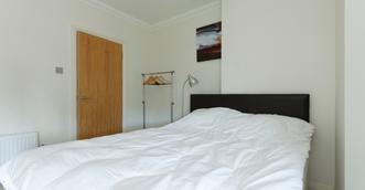 master bedroom2.png