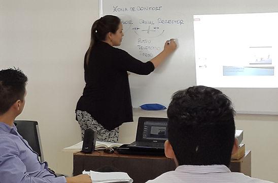 UEA Recursos Humanos en clases.jpg