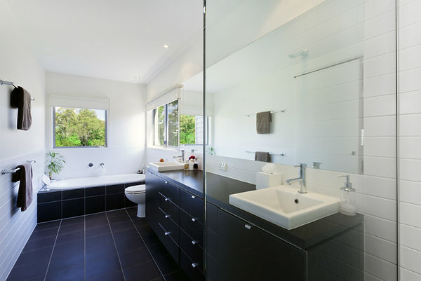 large-bathroom-3.jpg