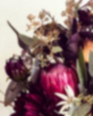 seasonal_floral_arrangement.jpg