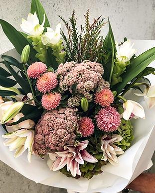 seasonal_bouquet_medium.jpg