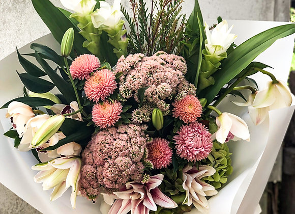 Wentworth Falls Special Bouquet + Candle