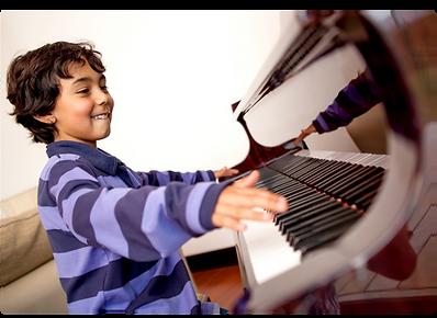 Image Boy Piano.png