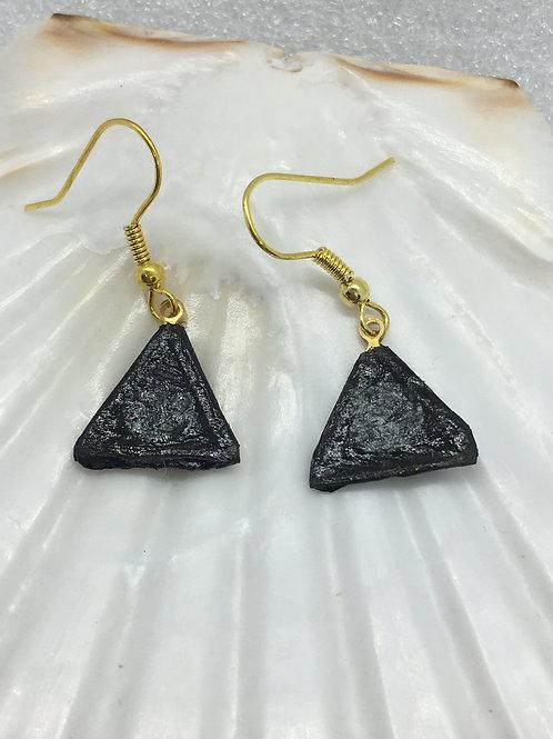black tissue triangle