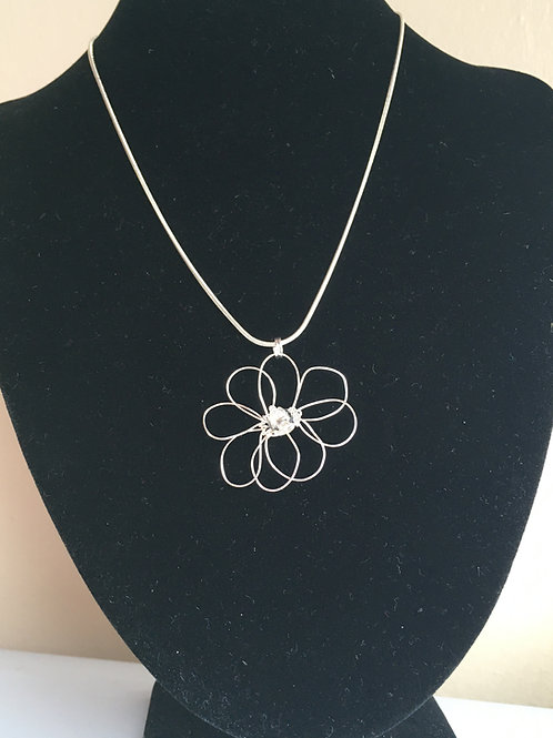 Small white daisy pendant