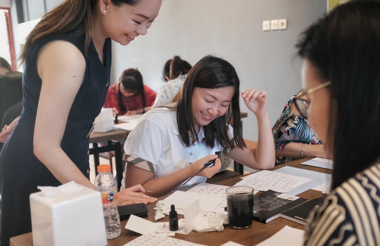 calligraphy-workshop-lombok.JPG