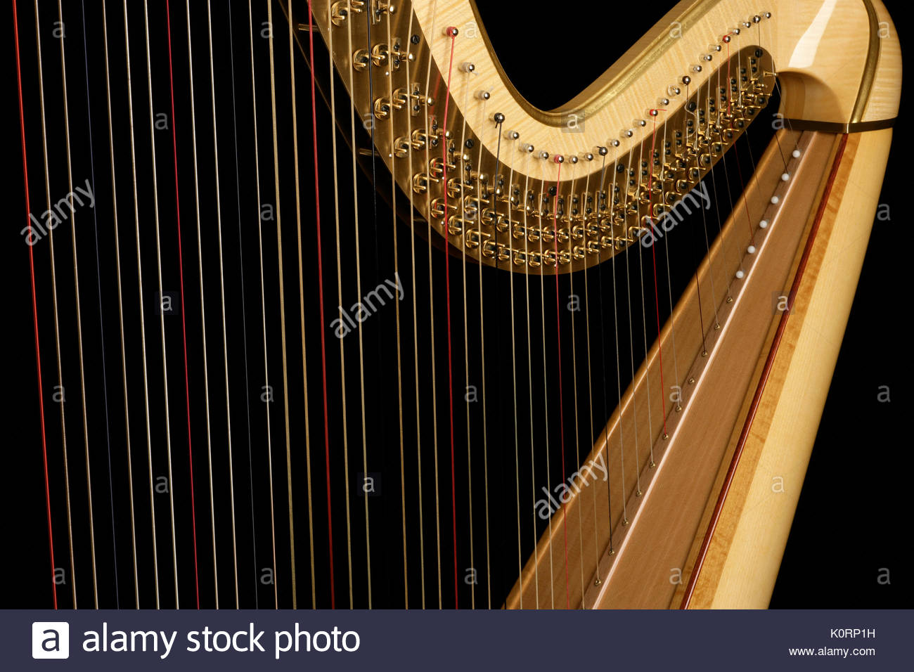 concert-harp-close-up-of-detail-showing-the-strings-and-tuning-pegs-K0RP1H