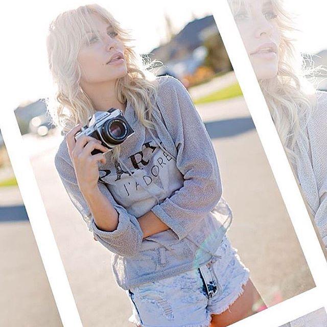 Pg _lisamariephotog _#blonde #camera #bombshell #jeans #casual