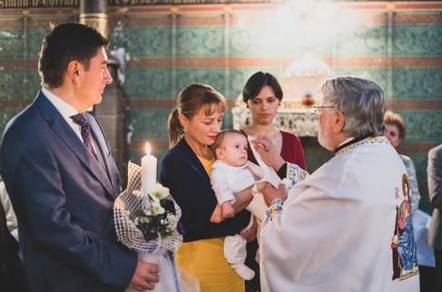 panglica botez bebelus preot biserica